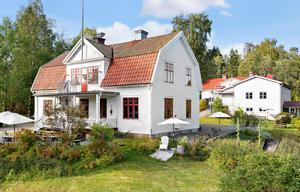 Exteriör av det så kallade Sågverket i Rö med restaurang och vandrarhem. Foto: Carlsson Ring