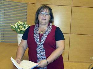 Eva Sens, ordförande för Kommunal Falun hälso- och sjukvård, uppmanar alla medlemmar att inte godta de nya direktiven. Foto: Kristina Vahlberg.