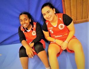 Aida Habtesion och Tahera Payande är spelare i Hudiksvalls BBK. Foto: Privat