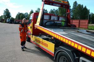 Stig Eriksson, Assistanskåren, konstaterar att det under sommaren varit ovanligt många husvagnar med punktering.