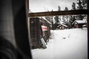 Det är öde vid campingen i Ramsjö, och det är för tillfället oklart vem som sköter om fastigheterna.