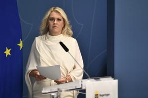Socialminister Lena Hallengren. Bild: Ali Lorestani/TT