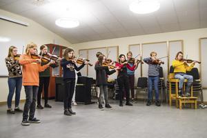 Suzukiföreningens barn och ungdomar kommer att uppträda under årets välgörenhetskonsert.