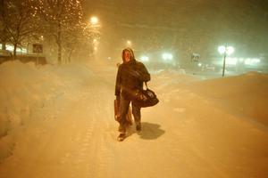 I snöstormen så förvandlades folk snabb till snögubbar. Foto: Lars Nyqvist.