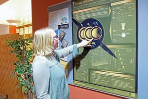 Ett av många projekt som institutet för rymdfysik deltagit i är Cassini projektet. En satellit- Cassini– skickades till Saturnus måne Titan och tog bilder på månens yta. Satelliten skickade även en sond ytan. Observationerna av gravitationen, radiosignaler under nedstigningen, visade att Titan gömmer en intern flytande sjö under ytan som forskare tror består av vatten och ammoniak.