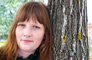 """""""Jag har jobbat mer med intrigen den här gången, det ska bli spännande att se vad folk tycker"""" säger Karin Janson."""