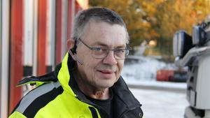 Thure Järlehag berättar att fokus ligger på att få undan snön innan nästa snöfall kommer.