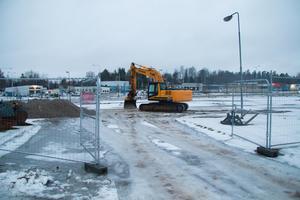 Vatten och avlopp har grävts på marken under de senaste veckorna.