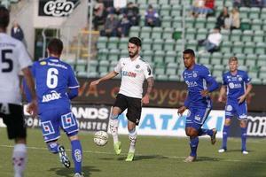 Nahir Besara är en av flera ÖSK-spelare som har varit med och fått stryk av Gif Sundsvall.