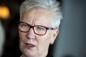 Åsa Lindestam (S) är van med att myndigheter är stolta över sin verksamhet, inte att de kör folkvalda på porten. Foto: Pontus Lundahl / TT /