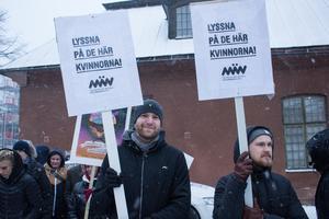 Karl Tiselius och Emil Gustavsson representerar föreningen Män för jämställdhet.
