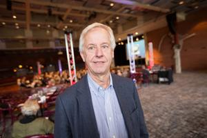 Greger Bengtsson, Samordnare Avdelningen för vård och omsorg SKL, Sveriges kommuner och landsting, en av föredragshållarna när temat var samverkan vid utskrivning.