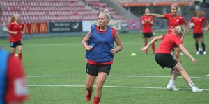 Ellen Karlsson känner att hon verkligen hittat rätt i sin roll på Kif Örebros defensiva mittfält.