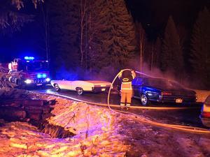 Räddningstjänsten lyckades rädda några veteranbilar från branden.
