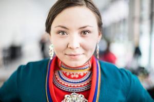 Lene Cecilia Sparrok från Namskogan vann guldbaggen för bästa kvinnliga huvudroll för sin roll som Elle Marja i Sameblod.