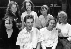 Fåglar var temat på PC:s kulturdag 1990. Margareta Stjerna-Persson, Carin Norrby, Maria Hansdotter-Edman, Maria Stenlund, Sassa Nordin, Christopher Sönnerbrandt och Johanna Schmidt deltog med lyrik, prosa och teckningar.
