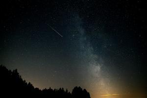 Perseiderna  är ett årligt meteorregn som orsakas av kometen Swift-Tuttle. Foto: VARF