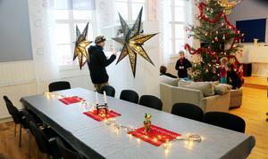 Julstämning i huset i Kungsfors. Henrik Andersson har precis kommit tillbaka efter några morgonåk i Kungsberget.