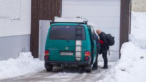 Vid nio-tiden på onsdagsmorgonen anlände teknikerna från Västerås, till Coop-butiken i Norberg.