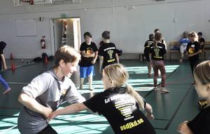 Totalt är det 62 barn som deltar i kampsportskolan på Campus i veckan.