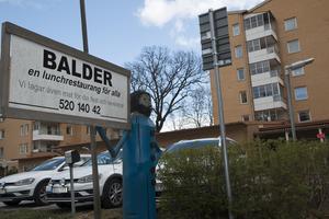 Utanför Balder finns skylten om en lunchrestaurang fortfarande  kvar, men i själva verket lades restaurangen ner i höstas.