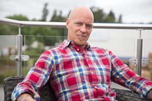 Andreas Lindh har idag hunnit bli 41 år gammal och jobbar numera som säljare/projektutvecklare.