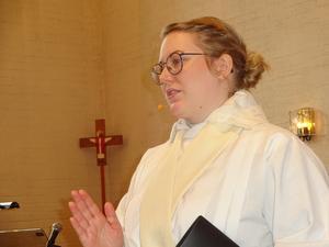 Madeleine Grensjö som ledde högmässan på påskdagen förkunnade påskens glada budskap.