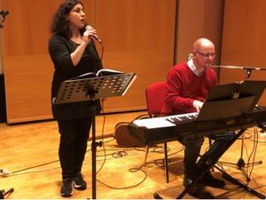 Caroline och Tomas Sondell underhöll. Foto: PG Forslund
