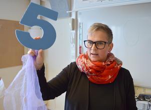 Jessica Hammar Berg, danskonstnär och fritidspedagog, skulle vilja undervisa i dansmatte på flera skolor i kommunen.