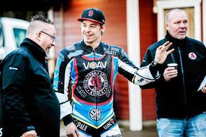 Ludvig Lindgren gör sin andra säsong som lagkapten i Indianerna. Inför premiären borta mot Västervik hyllar han kontinuiteten.