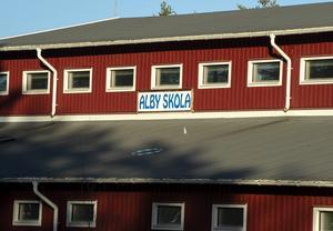 Alby skola i Ånge läggs ner i sommar, något som enligt byborna kan få förödande konsekvenser för Alby med omnejd.