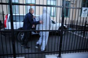 Orsabon förs till Mora tingsrätts lokaler i slutet av november, då han häktades.