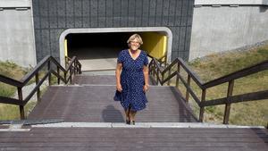 """""""De stora frågorna är inte alltid de viktigaste för Nykvarnsborna"""", säger Märtha Dahlberg. Hon menar att det gäller att vara lyhörd till vad kommuninvånarna upplever för problem för att bedriva relevant politik."""
