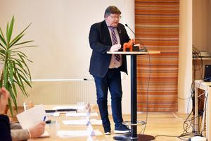 David Örnberg (V) tycker det är galet att man lät verksamheten gå under då man under flera år visste att lokalerna var undermåliga.