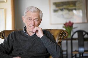 Författaren Theodor Kallifatides fyller 80 år. Även om han flyttade från Grekland för mer än femtio år sedan finns landet alltjämt med honom, inte minst i hans böcker.