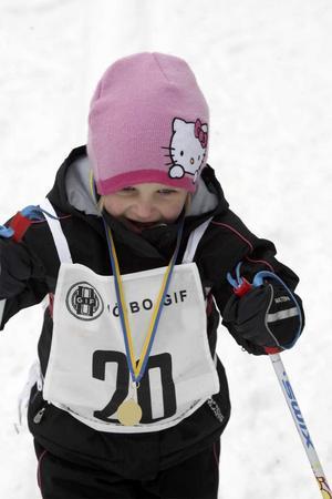 Evelina Andersson blev god tvåa på 90 meter.