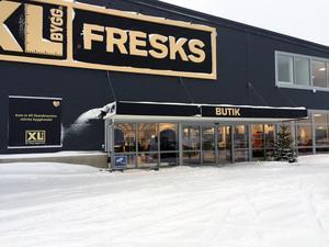 Under måndagen slår XL-Bygg Fresk upp portarna till nya byggvaruhuset på Saltvikshöjden.