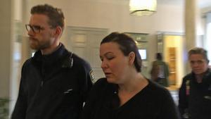 Johanna Möller är polisanmäld för stämpling till mord. Ett brott som ska ha skett inne på Ystad anstalt där hon avtjänar sin livstidsdom.