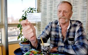 – De 80 kronor som landstinget tar ut varje gång du ringer och förnyar ett recept går inte in så att det syns på landstingets högkostnadsskydd, säger Ragnar Birgersson, Härnösand.