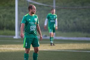 Näsvikens Tobias Johansson gjorde matchens första mål.