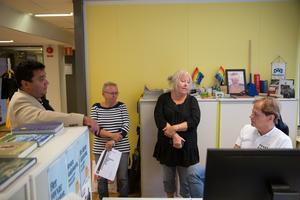 David Winerdal (KD) har sovit 3,5 timmar, Anne-Marie Larsson (M) 5 timmar, Marita Lärnestad (M) dryga 5 och Mats Siljebrand (L) 5-6 timmar mellan valdagen och måndagen. På onsdag har Alliansen ett möte om framtida samarbete.
