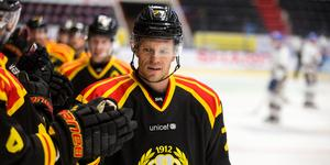 Nicklas Danielsson kunde inte träna på onsdagen – men Brynäs har inte gett upp hoppet att han ska kunna spela mot Färjestad.
