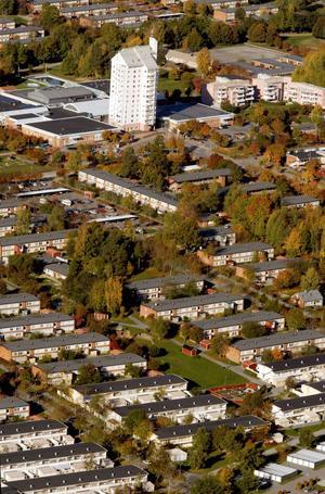 Vissa Öbo-lägenheter kommer att få en högre höjning och andra en lägre.