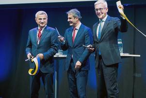 Ibrahim Baylan, samordnings- och energiminister invigde  tillväxthuben SynerLeap.  Bazmi Husain koncernchef Ulrich Spiesshofer till höger. Foto: Jonas Bilberg.
