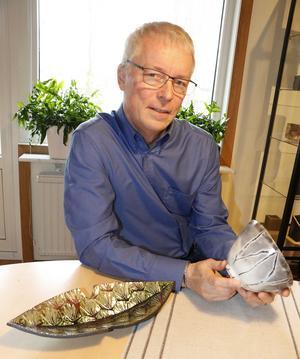 Anders arbetar med flera olika tillverkningsmetoder i keramik, bland annat den japanska metoden raku.