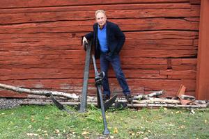 Robert Sjöblom använder sig ofta av barndomsminnen från Norrtälje när han regisserar barnteater.