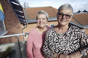 """BrittMarie Pettersson och Gerd Perols glädjer sig åt det stora intresset för """"Tjejkvällen"""". Det blir ett rejält netto till välgörande ändamål."""