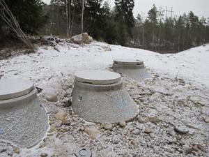 Avluftningsbrunnarna där läckan uppstod.