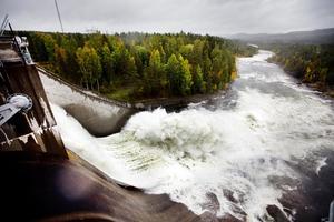 Om någon av de stora dammarna i våra älvar uppströms brister kan det stora konsekvenser där alla dammar längre ner också brister.
