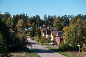 Villapriserna har stått ganska stilla en tid i Västmanland.